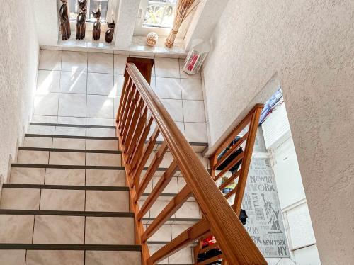 Aussenansichten: Treppenaufgang
