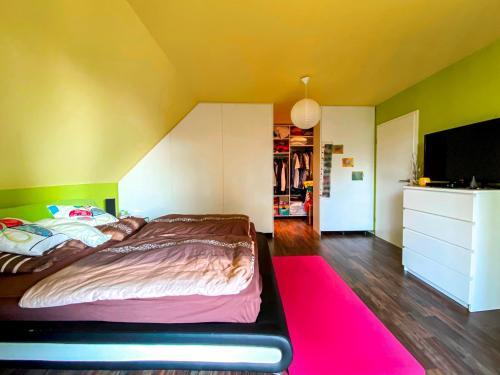 Innenansichten: Schlafzimmer / Ankleidebereich