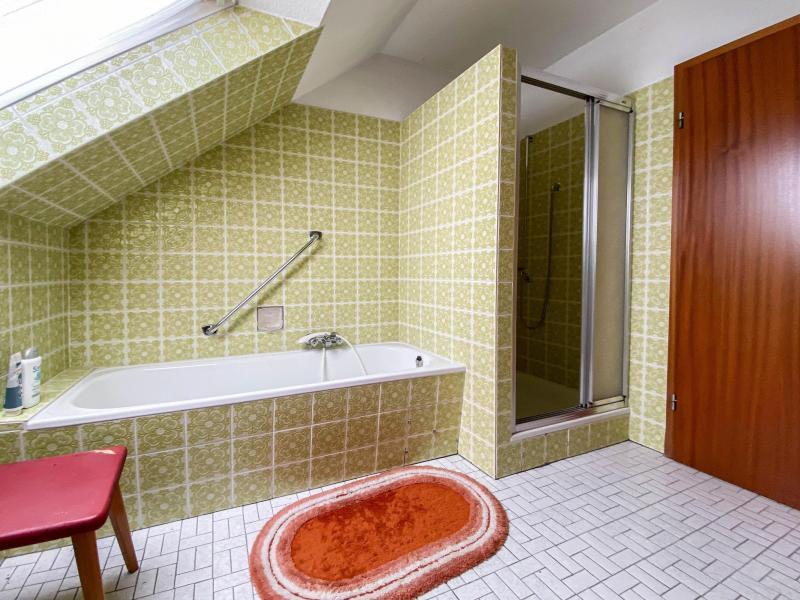 Innenansichten: Vollbad Dachgeschoss